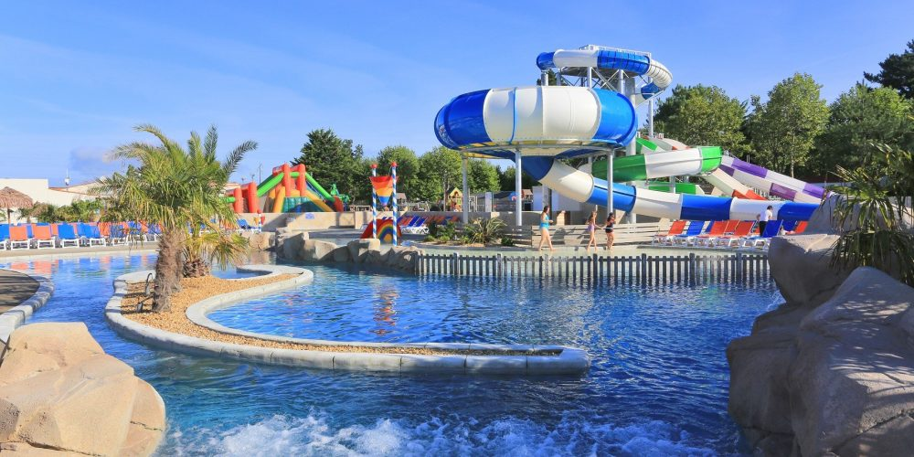 Annuaire officiel n 1 du camping for Camping sud france avec piscine