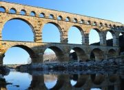 Jusqu'à -60 % dans le Gard! ☀  Languedoc-Roussillon
