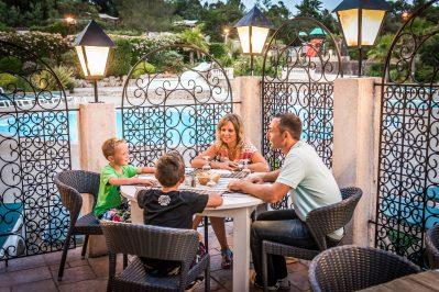 ESTEREL CARAVANING-Le restaurant du camping ESTEREL CARAVANING-SAINT RAPHAEL