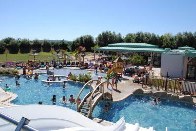 LA ROCHE POSAY VACANCES-Le parc aquatique du camping LA ROCHE POSAY VACANCES-ROCHE POSAY