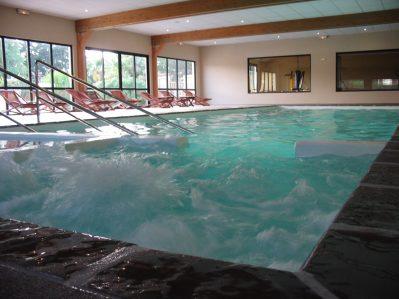 LE VIEUX MOULIN-La piscine couverte et chauffée du camping LE VIEUX MOULIN-ERQUY