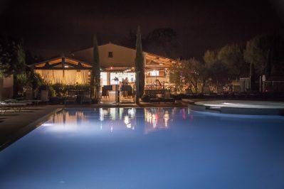 LE MONPLAISIR-La piscine du camping LE MONPLAISIR-SAINT REMY DE PROVENCE