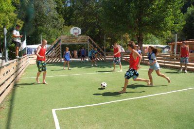 LES RIVES DU LOUP-Le terrain multi-sports-TOURRETTES SUR LOUP