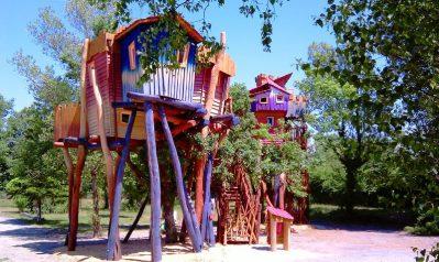 LOISIRS LA REGNIERE-Les hébergements insolites du camping LOISIRS LA REGNIERE-VILLETTE D ANTHON