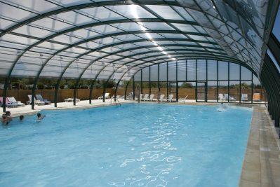 TRANSHUMANCE-La piscine couverte du camping TRANSHUMANCE-BREUILLET