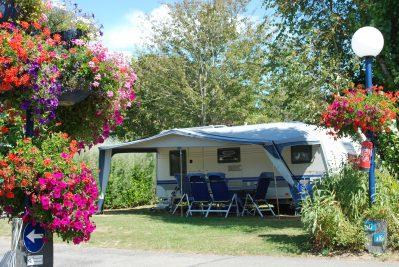 LES EMBRUNS-Les emplacements du camping LES EMBRUNS-CLOHARS CARNOET