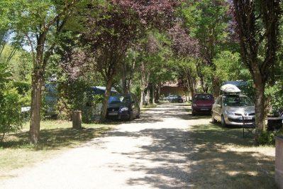LE PLAN D'EAU ST CHARLES-Les emplacements du camping LE PLAN D'EAU ST CHARLES-DAMIATTE
