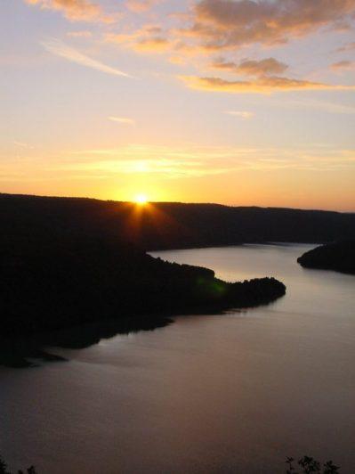 LA PETITE MONTAGNE-Un camping en bord de lac le Jura-MOIRANS EN MONTAGNE