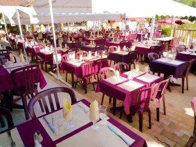 LES PENEYRALS-Le restaurant du camping LES PENEYRALS-SAINT CREPIN ET CARLUCET