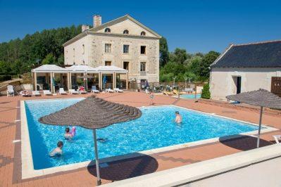 L'ETANG-La piscine du camping L'ETANG-BRISSAC QUINCE
