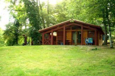 LAC DE LISLEBONNE-Un parc locatif ombragé das Departement Lot-et-Garonne-REAUP LISSE