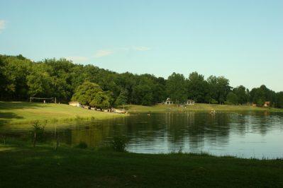 LAC DE LISLEBONNE-Un camping en bord de lac das Departement Lot-et-Garonne-REAUP LISSE