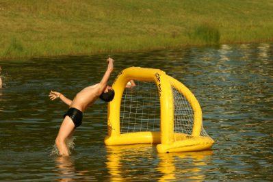 LAC DE LISLEBONNE-Jeux aquatiques au camping LAC DE LISLEBONNE, das Departement Lot-et-Garonne-REAUP LISSE
