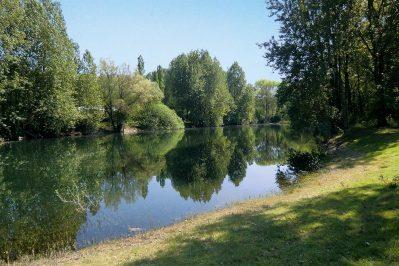 DOMAINE LA DUNE BLANCHE-La piscine du camping DOMAINE LA DUNE BLANCHE-CAMIERS