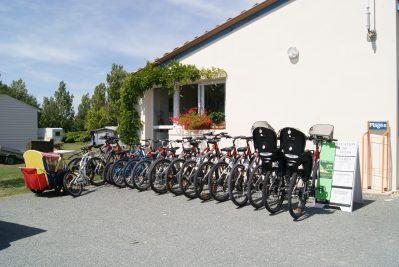 LAC DE SAUJON-Le camping LAC DE SAUJON, la Charente-Maritime-SAUJON