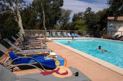 DOMAINE DE MASSEREAU-La piscine du camping DOMAINE DE MASSEREAU-SOMMIERES