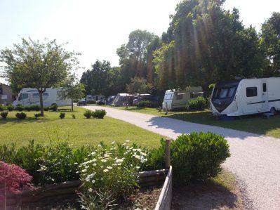 LES COTEAUX DU LAC-Les emplacements du camping LES COTEAUX DU LAC-CHEMILLE SUR INDROIS
