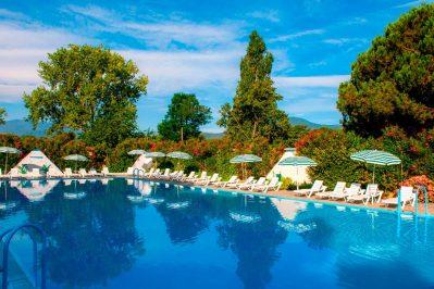 LE DOMAINE D'ANGHIONE-La piscine du camping LE DOMAINE D'ANGHIONE-CASTELLARE DI CASINCA