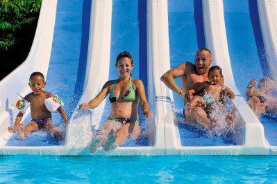 LES VIGNES-La piscine du camping LES VIGNES-LIT ET MIXE