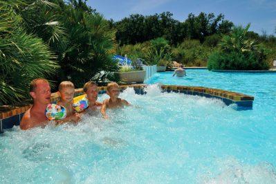 AURILANDES-La piscine du camping AURILANDES-AUREILHAN