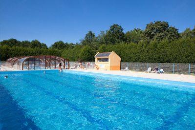 LE BOIS DE PLEUVEN-La piscine du camping LE BOIS DE PLEUVEN-SAINT YVY