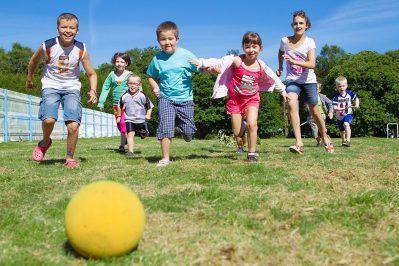 LE BOIS DE PLEUVEN-Espace jeux pour les enfants-SAINT YVY