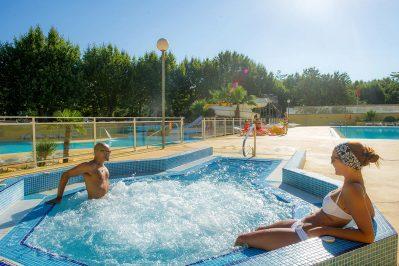 LES 7 FONTS-La piscine du camping LES 7 FONTS-AGDE