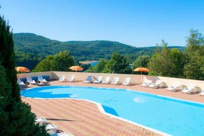 RIEUMONTAGNE-La piscine du camping RIEUMONTAGNE-NAGES
