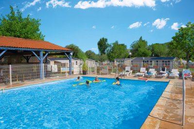 LES CATALPAS-La piscine du camping LES CATALPAS-SAINT GEORGES DE DIDONNE
