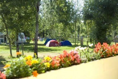 LE LIDON-Un camping fleuri-SAINT HILAIRE LA PALUD