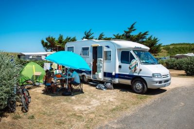 LA DUNE DES SABLES-Les emplacements du camping LA DUNE DES SABLES-SABLES D'OLONNE