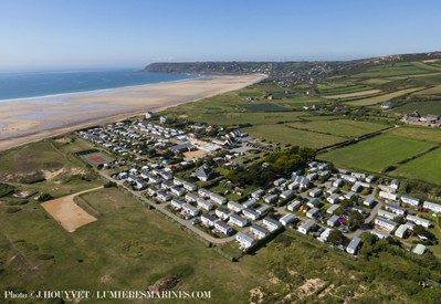 LE GRAND LARGE-Le camping vu du ciel-PIEUX