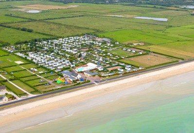 LE CORMORAN-Accès direct à la plage pour le camping LE CORMORAN-RAVENOVILLE