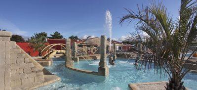 ACAPULCO-La piscine à remous du camping ACAPULCO-SAINT JEAN DE MONTS