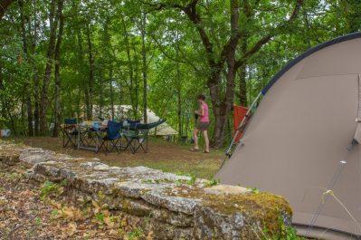 LES PASTOURELS-Les emplacements du camping LES PASTOURELS-VEYRINES DE DOMME