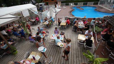 LES FONTAINES-Le restaurant du camping LES FONTAINES-LATHUILE