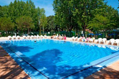 LE BOIS D'AMOUR-La piscine du camping LE BOIS D'AMOUR-BAULE ESCOUBLAC