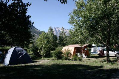 CAMP MUNICIPAL LES ECRINS-Les emplacements du camping CAMP MUNICIPAL LES ECRINS-L ARGENTIERE LA BESSEE