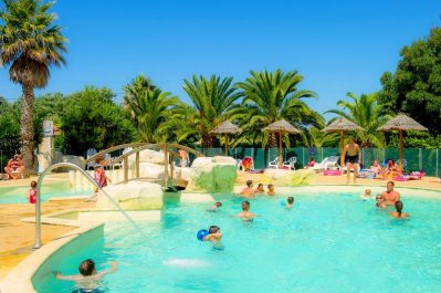 LES HUTTES-La piscine couverte du camping LES HUTTES-SAINT DENIS D'OLERON