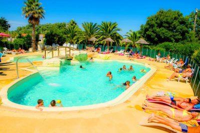 LES HUTTES-La piscine du camping LES HUTTES-SAINT DENIS D'OLERON