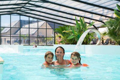 LA POMMERAIE DE L'OCEAN-La piscine couverte du camping LA POMMERAIE DE L'OCEAN-TREGUNC