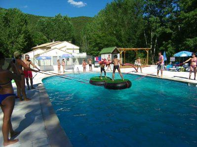 LES GORGES DE L'HERAULT-Jeux aquatiques au camping LES GORGES DE L'HERAULT, le Gard-SUMENE