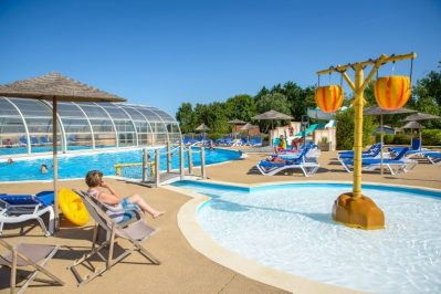 DOMAINE DE BEAULIEU-La piscine du camping DOMAINE DE BEAULIEU-GIVRAND