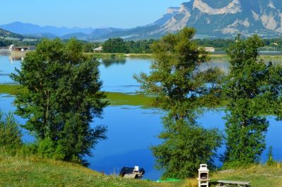 LE LAC-Un camping en bord de lac das Departement Alpes-de-Haute-Provence-CURBANS
