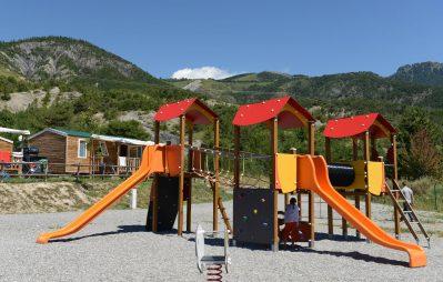 LES BERGES DU LAC-Le camping LES BERGES DU LAC, das Departement Alpes-de-Haute-Provence-LAUZET UBAYE