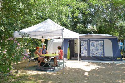 LES ALBERES-Les emplacements du camping LES ALBERES-LAROQUE DES ALBERES