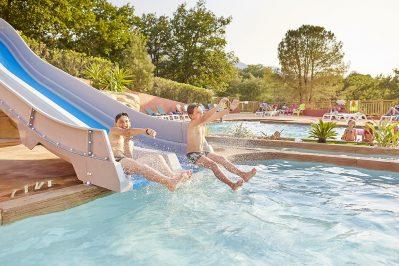 LES ALBERES-Jeux aquatiques au camping LES ALBERES, les Pyrénées-Orientales-LAROQUE DES ALBERES