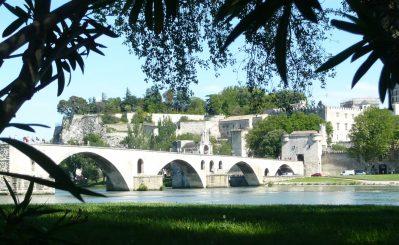 CAMPING DU PONT D'AVIGNON-Accès direct à la rivière im Departement Vaucluse-AVIGNON