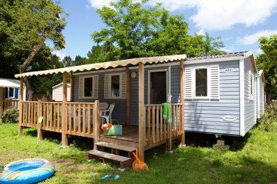 LA PLAGE FLEURIE-Hébergements haut de gamme du camping LA PLAGE FLEURIE-VALLON PONT D ARC