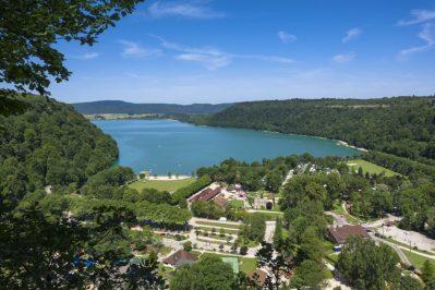 DOMAINE DE CHALAIN-Le camping DOMAINE DE CHALAIN, le Jura-DOUCIER